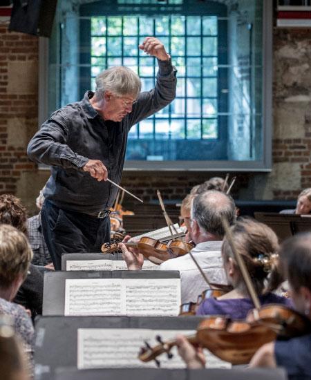 Disfruta el más reciente concierto de Sir John Eliot Gardiner